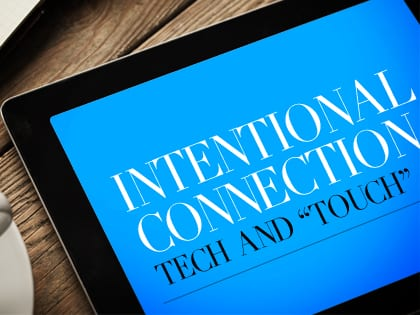14Feature-Intentional-Connection--Tech-and-'Touch'-1013